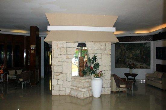 Hotel Plaza Kokai: lobby