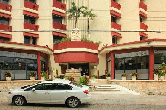 Hotel Plaza Kokai: from avenida Uxmal