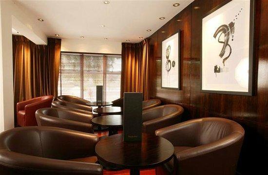 Glenmoriston Town House: Piano Bar