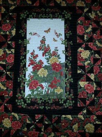 The Silk Pincushion : Quilt