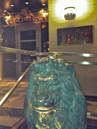 The Capital Grille: Entrance