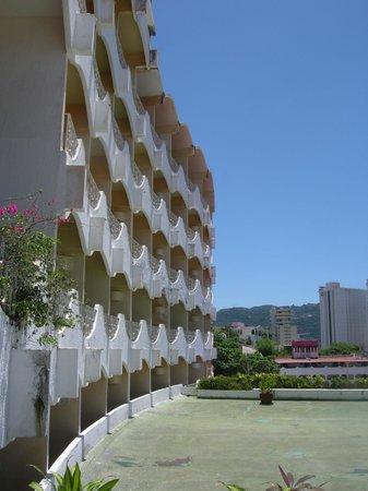 Panoramic Acapulco : side view