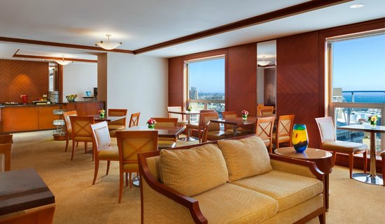 San Diego Marriott Gaslamp Quarter Concierge Lounge