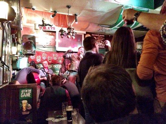 Taaffes Pub: sing along