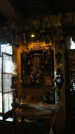 San Miguelito: El altar a San Antonio