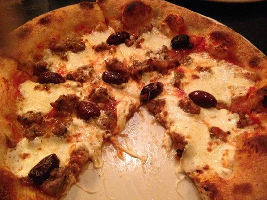 RedRocks Pizza Napoletana: Salsiccia Pizza