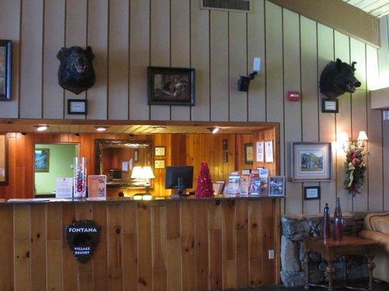Fontana Village Resort: Front Desk area