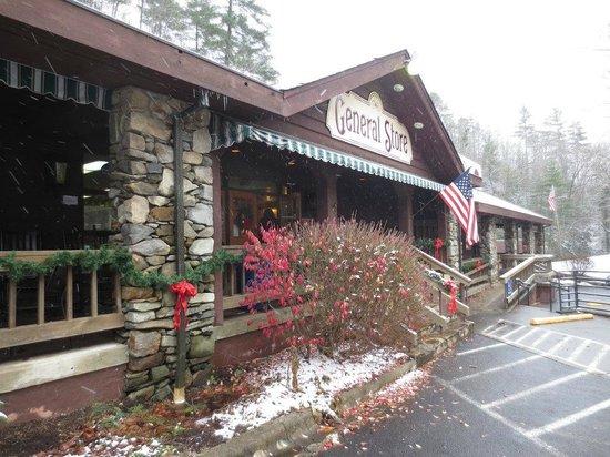 Fontana Village Resort : Store