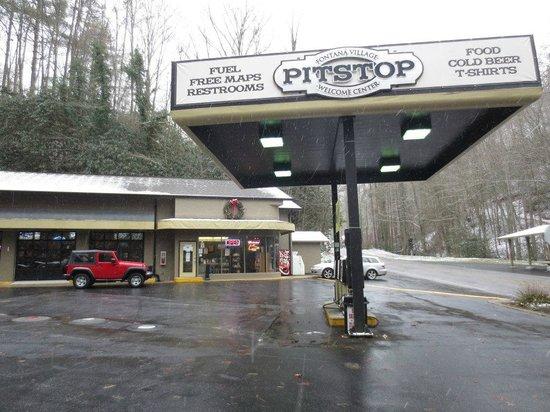 Fontana Village Resort: Gas station