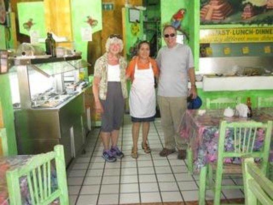 Planeta Vegetariano: Salad Bar on Left (Wife too)