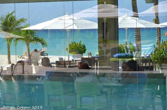 Bucuti & Tara Beach Resort Aruba : Elements Restaurant is a major addition to the hotel grounds