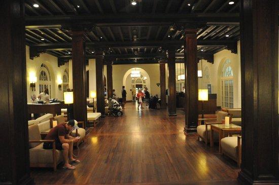 Casa Marina Key West, A Waldorf Astoria Resort: Very simple, but very nice lobby.