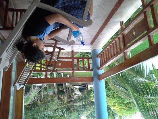 Ecoplaya Beach Resort: balcon con vista a la piscina