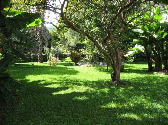 Hotel Tiosh Abaj: grounds