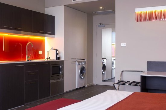 Search Canberra Hotels $57 - Expedia