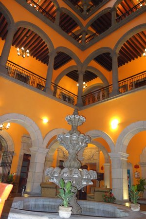 Hotel Morales Historical & Colonial Downtown Core: Lobby