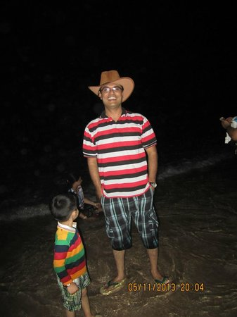 Renzo's Inn : Night on the beach