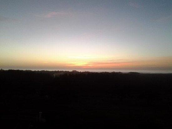 Chateau Westport : Thanksgiving 2013 sundown from deck.