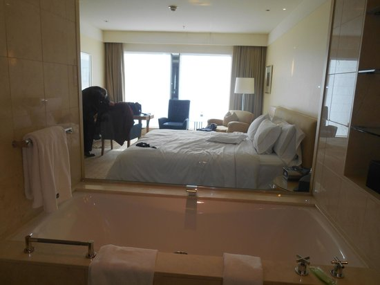 The Westin Sydney : View of bedroom from bathroom (shade up)