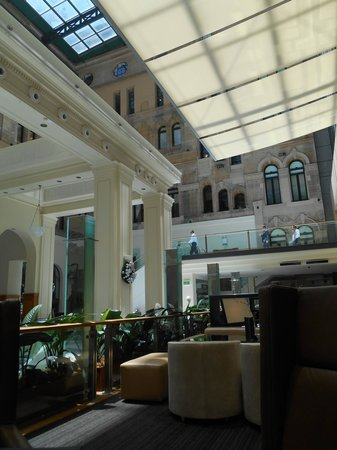 The Westin Sydney: Hotel lobby