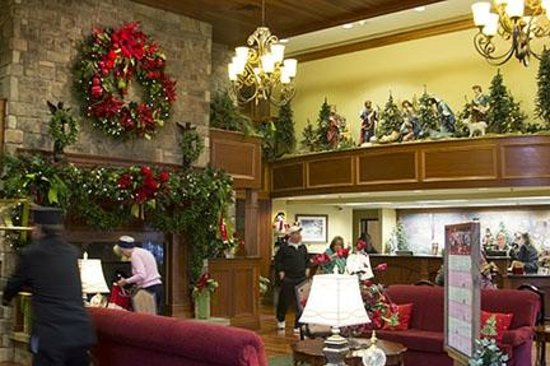 The Front Desk and Hotel Lobby - Picture of The Inn at Christmas ...