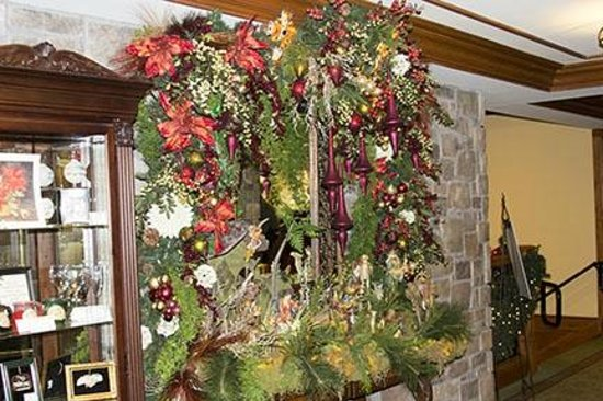 The Inn at Christmas Place: Hotel Decor