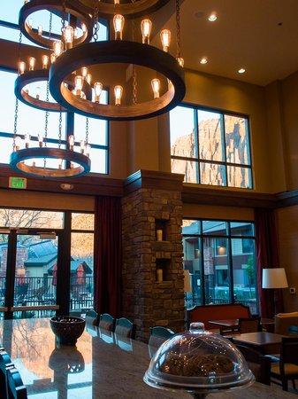 Hampton Inn & Suites Springdale Zion National Park: Cookies