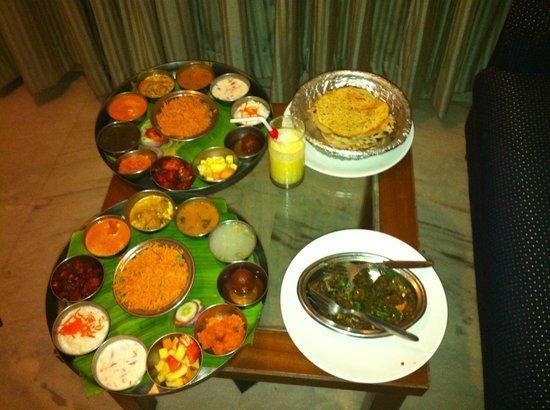 Maurya Residency: Yummy food on room service