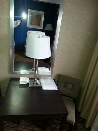 Holiday Inn Express Port Hueneme : business area