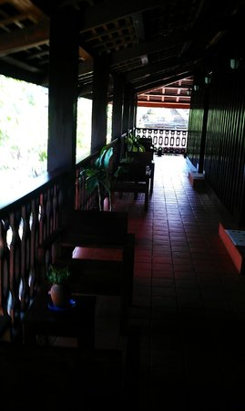 Luang Prabang Residence: Corridor of the 2nd floor