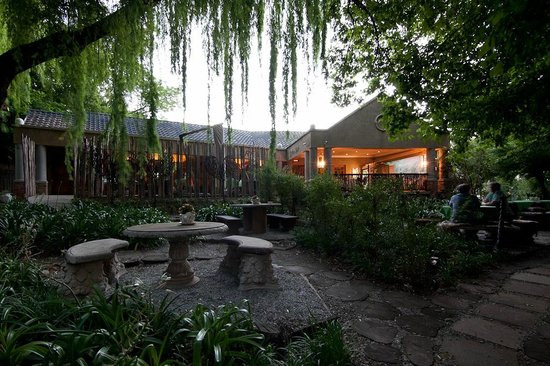 Hands On Retreat Craighall : Hands On Retreat Garden and Fresh Fine Foods Restaurant