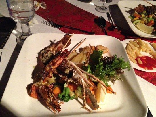 Hard Rock Hotel Bali : Romantic dinner ..... seafood plate, taste so yummy