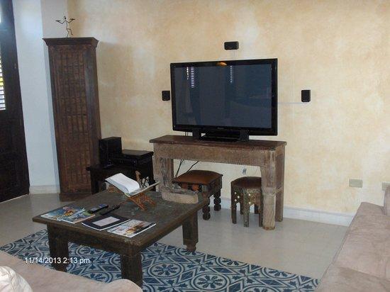 """La Terraza de San Juan: Nice living room with 50"""" TV"""