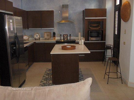 La Terraza de San Juan: Nice full kitchen
