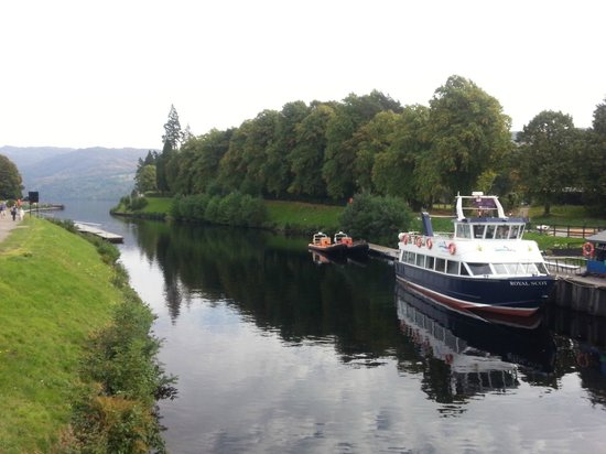 Fort Augustus: Take a boat on Loch Ness