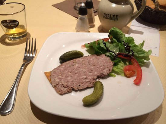 Aux Trois Gourmands: Pate and cider