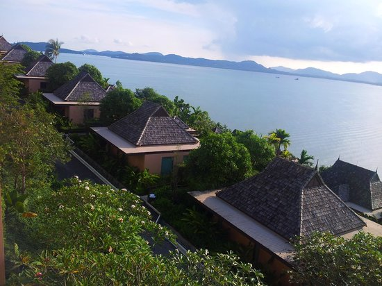 The Westin Siray Bay Resort & Spa Phuket : the left wing of the resort that we stayed at