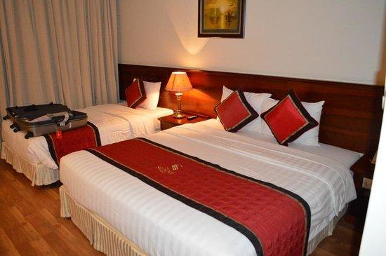Sunny Hotel 3: room