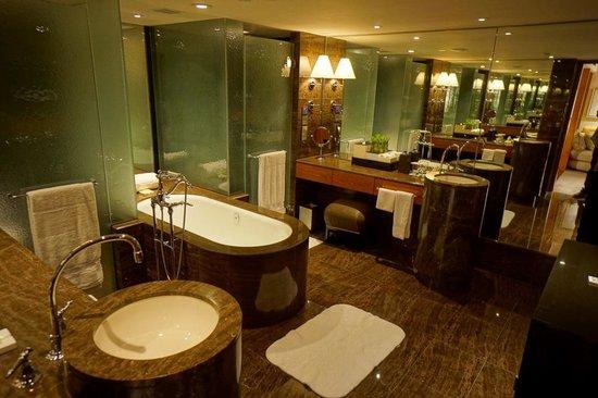 Mandarin Oriental, Hong Kong : Bathroom