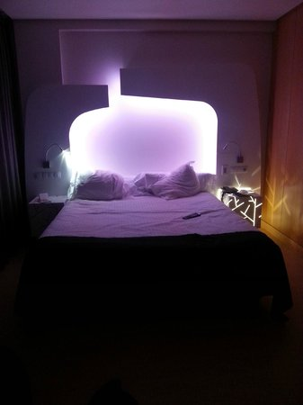 Ayre Hotel Oviedo: Cromaterapia