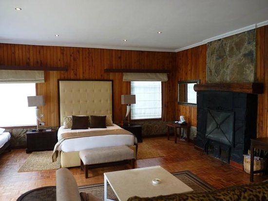 Aberdare Country Club: Bedroom