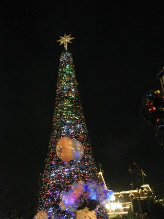 Hong Kong Disneyland: Christmas Lights