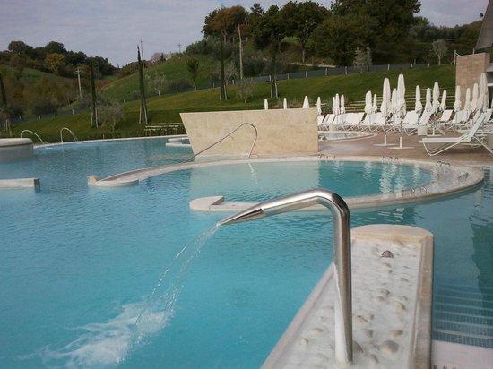 Chianciano terme piazza italia foto di piscine termali - Piscine theia chianciano ...