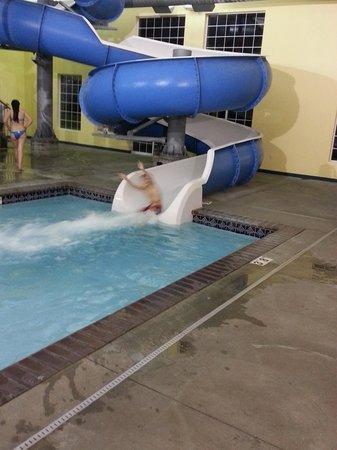 Ramada at Spokane Airport: Water slide