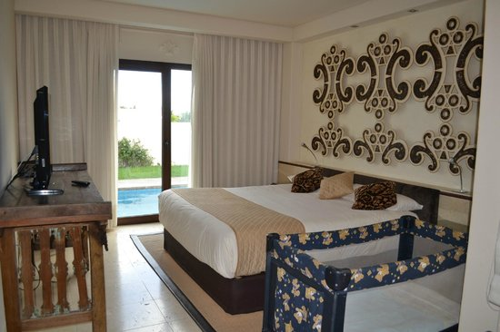Alondra Villas & Suites: our bedroom