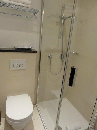 Hotel Favor : Salle de bain