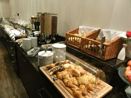 Hotel Favor: Buffet le matin