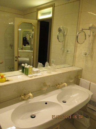 AbanoRitz Thermae & Wellness Hotel: alt, aber schön und sauber!