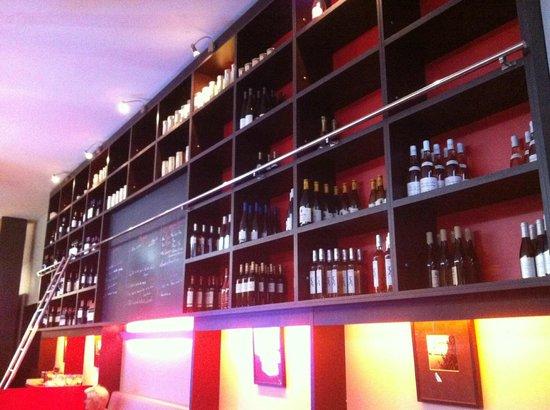 Le 27 Restaurant: le mur de bouteilles