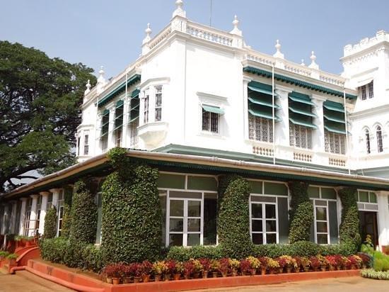 Green Hotel: hoofdgebouw